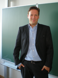 Dr. Jens Soemers