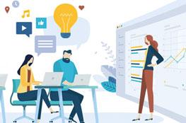 Lehrkräfte bei einer digitalen Fortbildung am PC, Tablet oder Laptop