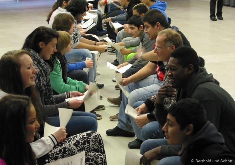Gesprächsrunden im Klassenzimmer, ästhetische Lernzugänge