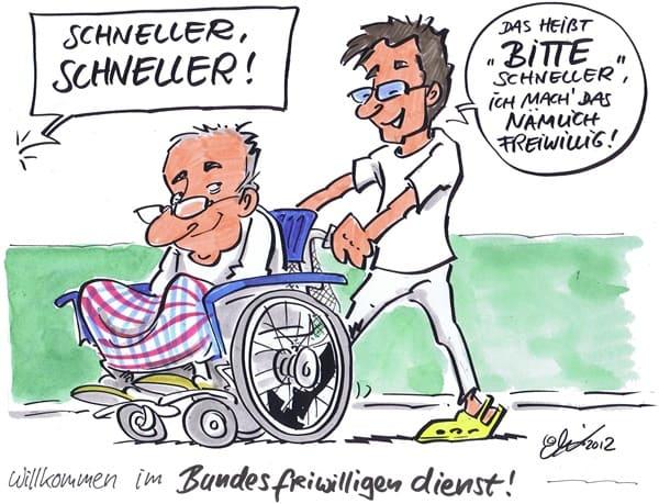 Bundesfreiwilligendienstler schiebt alten Mann im Rollstuhl.
