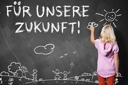 """Unterrichtsmaterial Klimaschutz: Mädchen schreibt """"Für unsere Zukunft"""""""