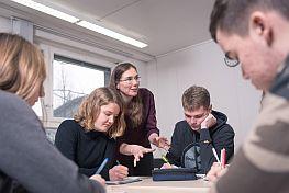 Schüler im Unterricht am MINT-Kolleg Baden-Württemberg
