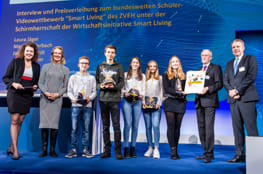 """Die Wettbewerbssieger beim Digital-Gipfel 2018"""" Foto: Wirtschaftsinitiative Smart Living / Lena"""