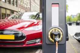 Auto mit Elektromobilität