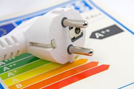 Stecker für Strom als Zeichen für Energieeffizienz