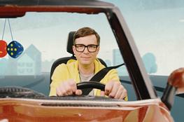 Ralph Caspers im Auto