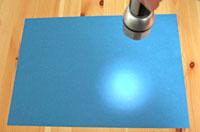Taschenlampenversuch zur Abhängigkeit der Strahlungsintensität vom Einstrahlungswinkel