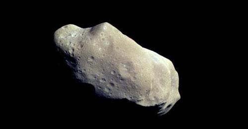 Der Asteroid (243) Ida - unregelmäßige Form und mondähnliche Oberfläche; NASA